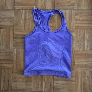 Lululemon cropped swiftly tech tank in size 6